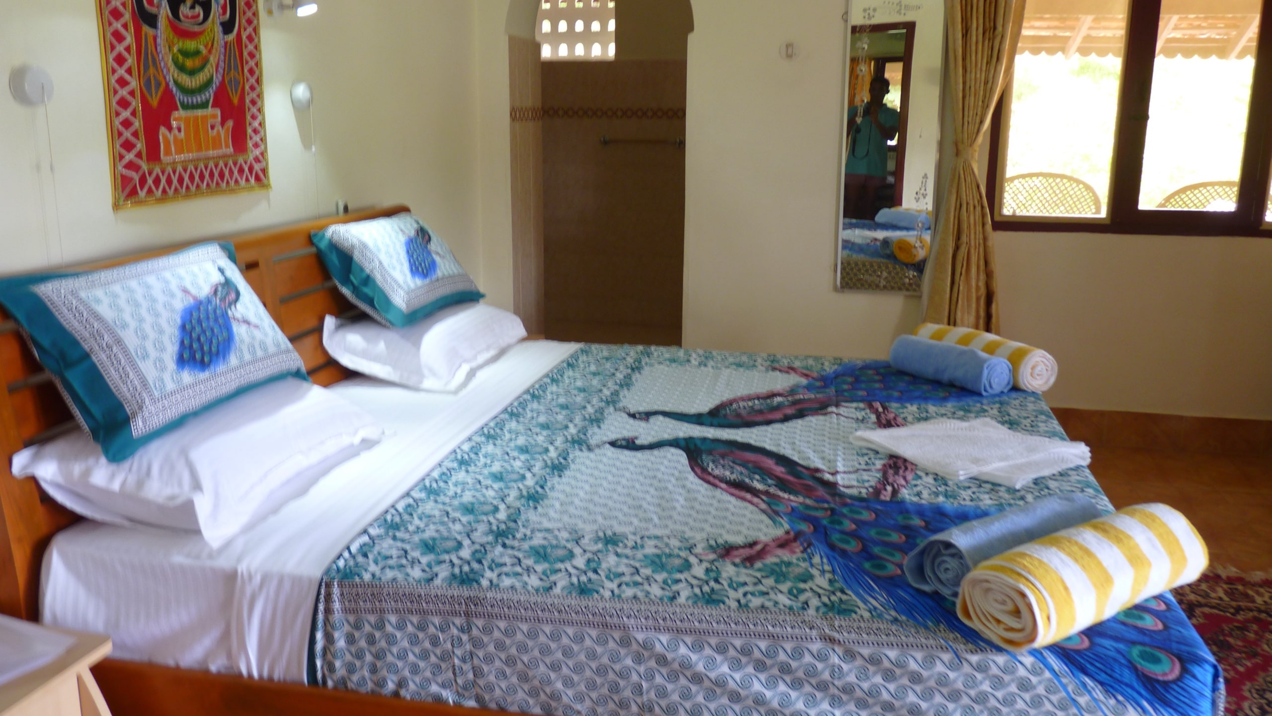 Pondicherry Suite, peacock bedding
